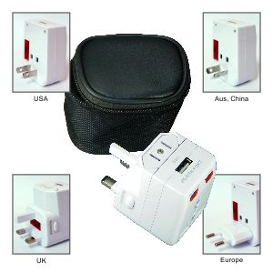 IT0340 Travel Adaptor with One USB Hub
